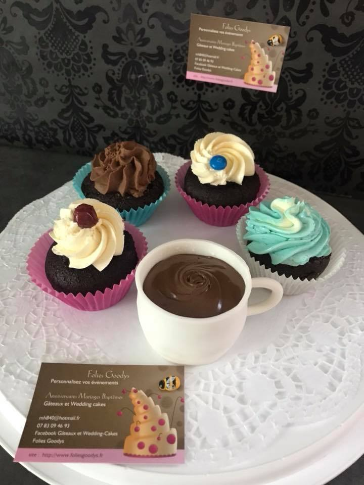 Cupcakes chocolat,différents fourrages et toppings